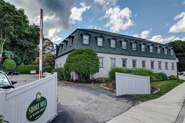 Town House - East Greenwich, RI (photo 1)