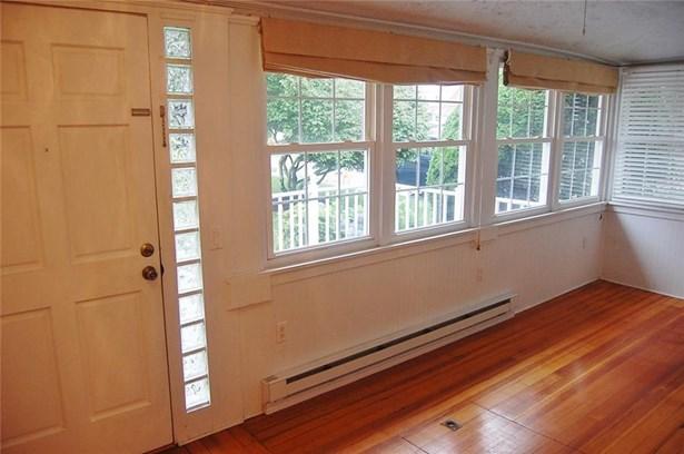 Cottage - East Providence, RI (photo 5)