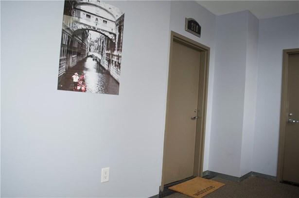 One Level - North Providence, RI (photo 3)