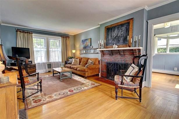 Colonial - Pawtucket, RI (photo 4)