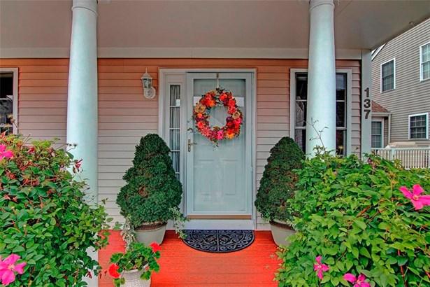 Town House - Cranston, RI (photo 3)