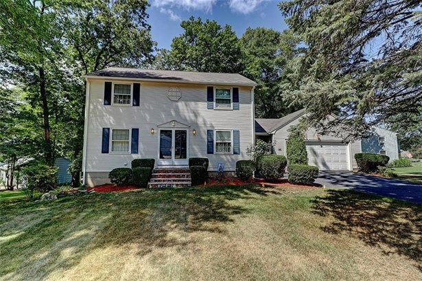 Colonial, Colonial,Single Family-Attached - Warwick, RI (photo 1)