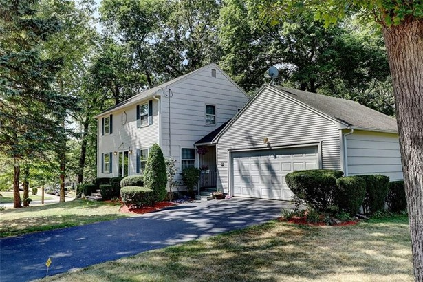 Colonial, Colonial,Single Family-Attached - Warwick, RI (photo 3)