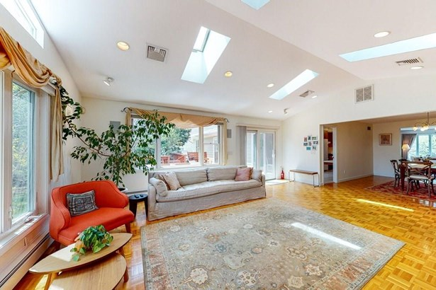 Contemporary,Ranch - East Side of Providence, RI