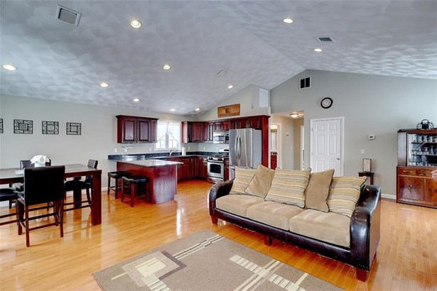 Contemporary,Raised Ranch - Seekonk, MA (photo 4)