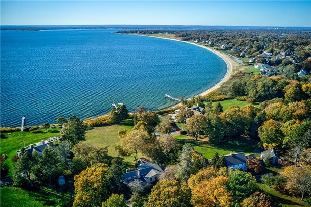 Tri-Level - Barrington, RI