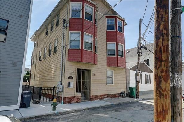Apartment,Up/Down - Providence, RI