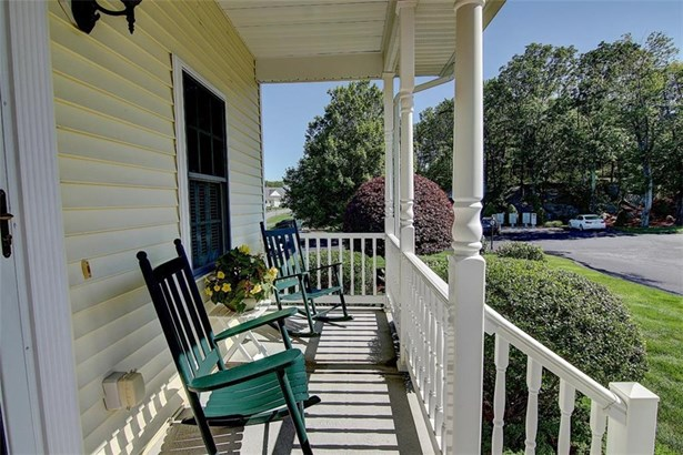 Town House - North Smithfield, RI (photo 3)
