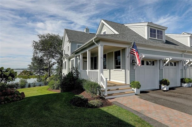 Town House - East Providence, RI