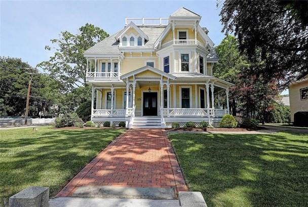 Town House - North Attleboro, MA