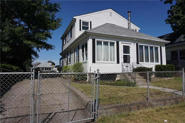 Bungalow,Cottage - Pawtucket, RI (photo 1)