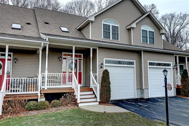 Town House - Cumberland, RI (photo 1)
