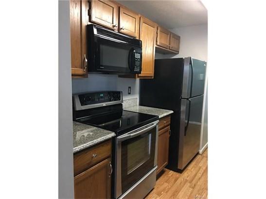 Condominium, Low-Rise - Henrico, VA (photo 3)