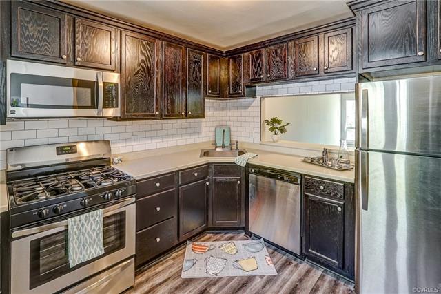 Condominium, Contemporary - Chesterfield, VA (photo 1)