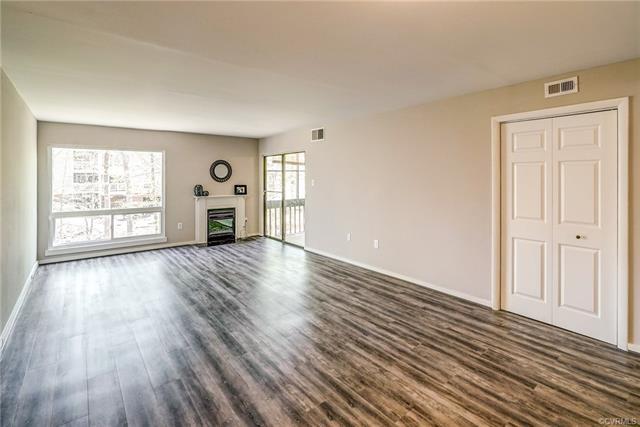 Condominium, Contemporary - Chesterfield, VA (photo 5)