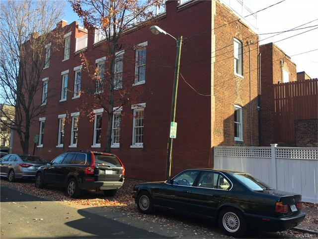 Attached, Rowhouse/Townhouse,Tri-Level/Quad Level,Victorian - Richmond, VA (photo 2)