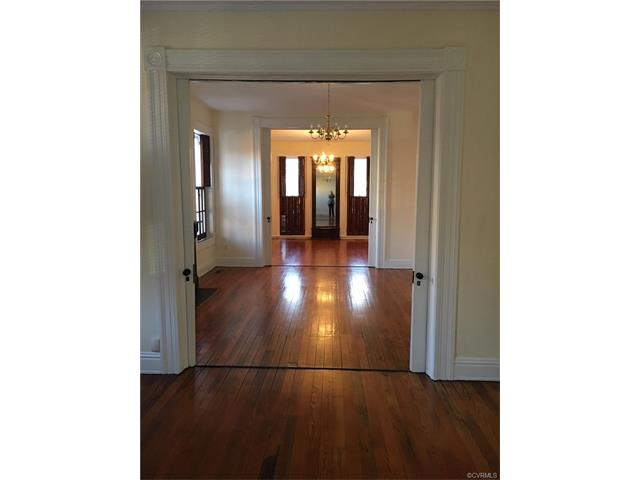 Attached, Rowhouse/Townhouse,Tri-Level/Quad Level,Victorian - Richmond, VA (photo 5)