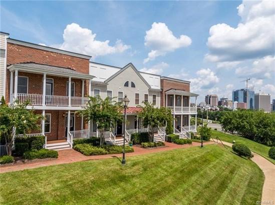 Condominium, 2-Story,Rowhouse/Townhouse - Richmond, VA