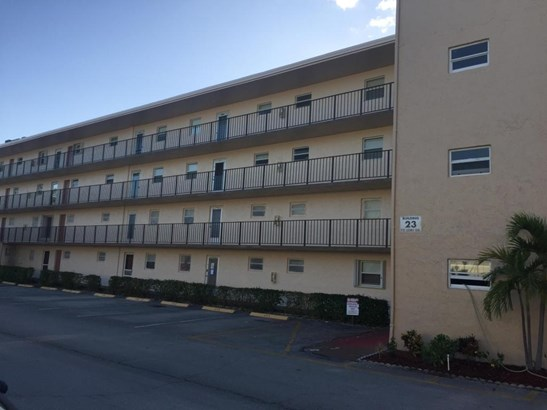 711 Lori Drive Unit 402, Palm Springs, FL - USA (photo 3)