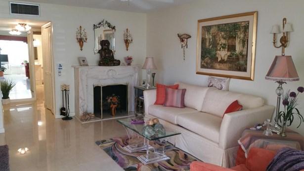 103 Stratford H, West Palm Beach, FL - USA (photo 2)