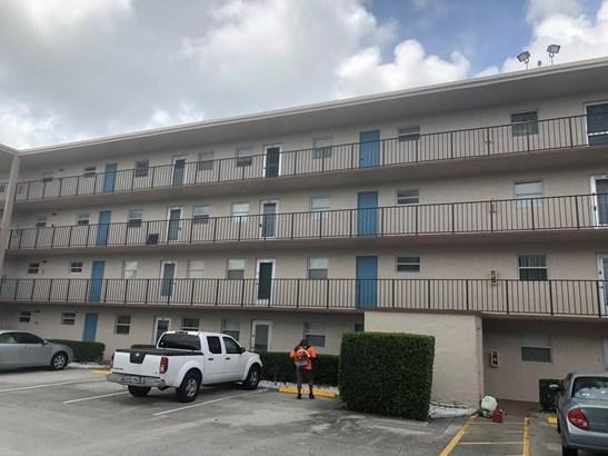 725 Lori Drive Unit 312, Palm Springs, FL - USA (photo 1)