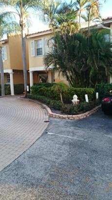 1105 Lake Shore Drive Unit 102, Lake Park, FL - USA (photo 5)