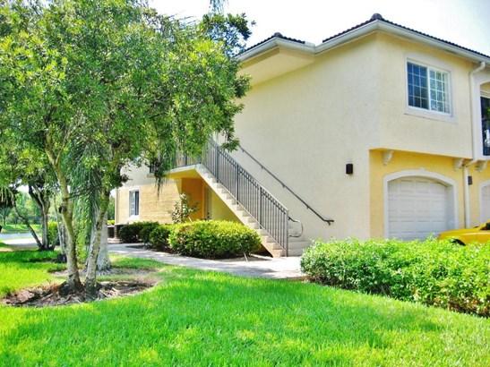 100 Crestwood Court Unit 103, Royal Palm Beach, FL - USA (photo 2)