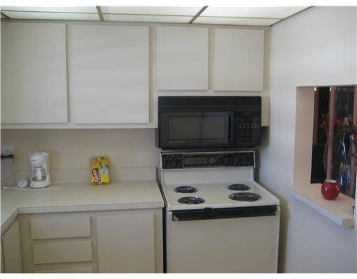 721 Lori Drive Unit 302, Palm Springs, FL - USA (photo 4)