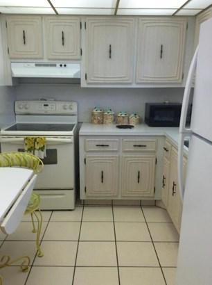 711 Lori Drive Unit 103, Palm Springs, FL - USA (photo 5)