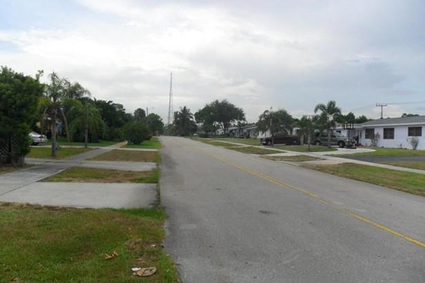 730 W Ilex Drive, Lake Park, FL - USA (photo 1)