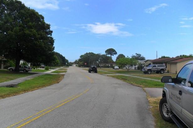 730 W Ilex Drive, Lake Park, FL - USA (photo 2)