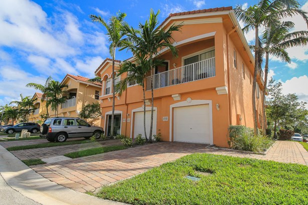 1732 Terracotta Drive, Riviera Beach, FL - USA (photo 2)