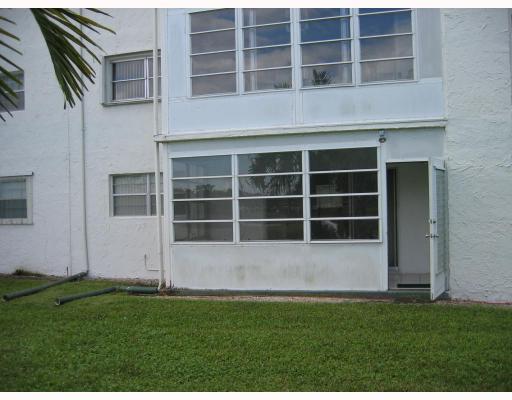 729 Lori Drive Unit 105, Palm Springs, FL - USA (photo 2)