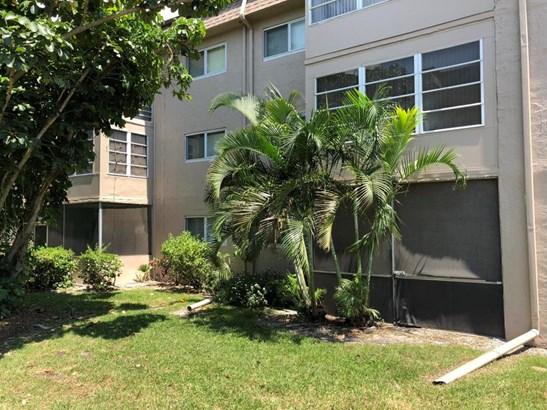 721 Lori Drive Unit 112, Palm Springs, FL - USA (photo 4)