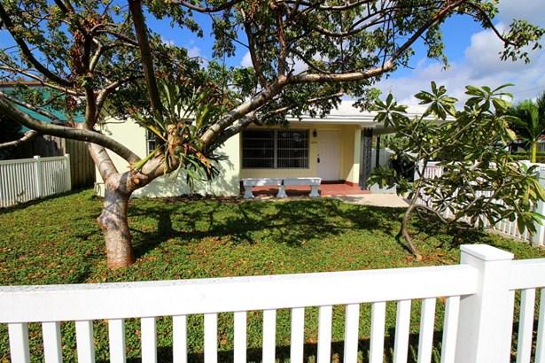 1629 N J Terrace, Lake Worth, FL - USA (photo 1)