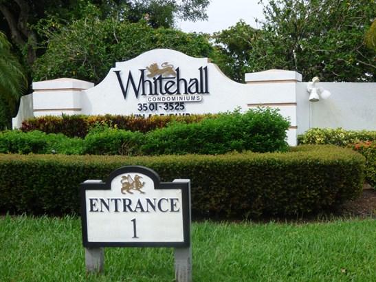 3521 Village Boulevard Unit 202, West Palm Beach, FL - USA (photo 2)
