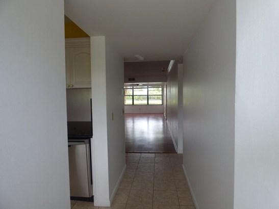 3521 Village Boulevard Unit 202, West Palm Beach, FL - USA (photo 4)