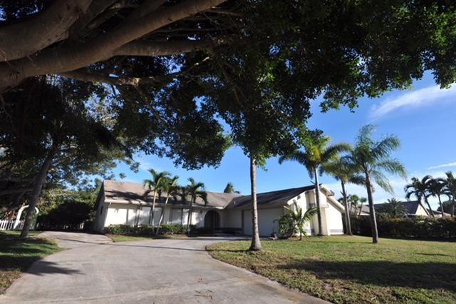 2473 Se Gowin Drive, Port St. Lucie, FL - USA (photo 2)