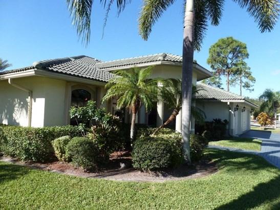136 Black Olive Crescent, Royal Palm Beach, FL - USA (photo 2)