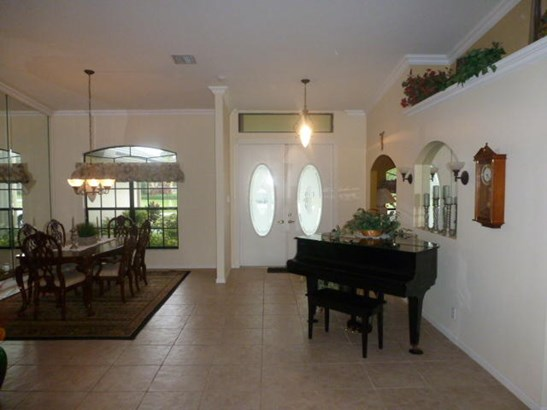 136 Black Olive Crescent, Royal Palm Beach, FL - USA (photo 4)