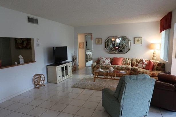 528 Shady Pine Way Unit B-2, Greenacres, FL - USA (photo 3)