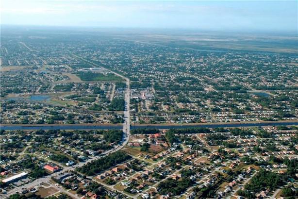 832 Sw Glenview Court, Fort Pierce, FL - USA (photo 3)