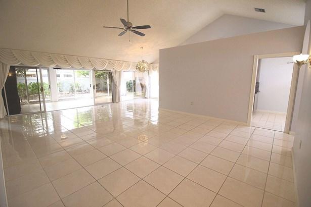 2313 Saratoga Bay Drive, West Palm Beach, FL - USA (photo 3)