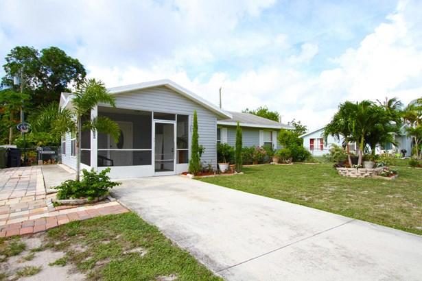 820 Se 15th Street, Stuart, FL - USA (photo 1)
