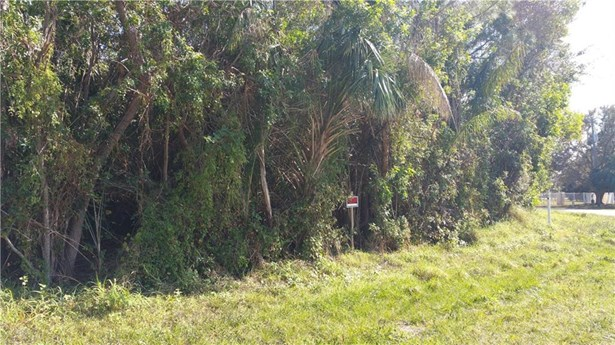 2070 Nw Pine Tree Way, Stuart, FL - USA (photo 4)