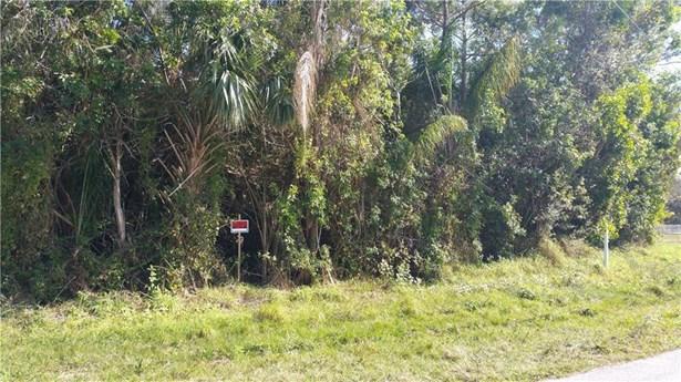 2070 Nw Pine Tree Way, Stuart, FL - USA (photo 5)