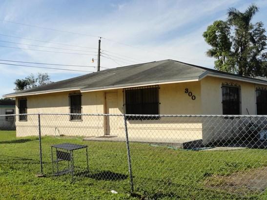 300 Sw 12th Street, Belle Glade, FL - USA (photo 1)
