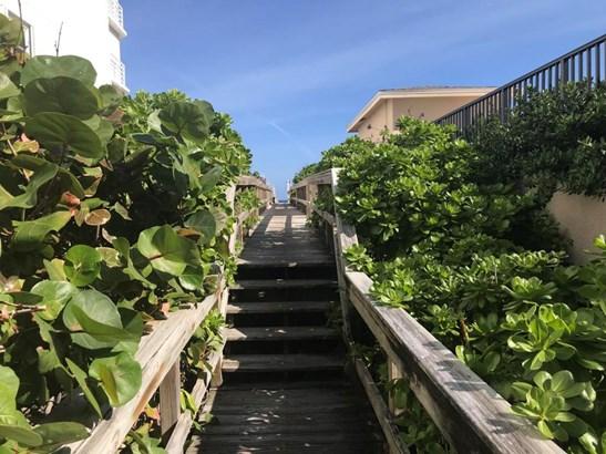 3605 S Ocean Boulevard Unit 305, South Palm Beach, FL - USA (photo 5)