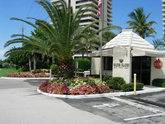 5510 N Ocean Drive Unit 3 B, Riviera Beach, FL - USA (photo 2)