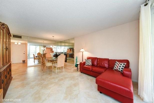 3540 S Ocean Boulevard Unit 112, South Palm Beach, FL - USA (photo 4)